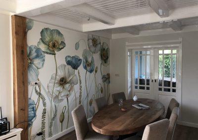 Woonkamer en keuken schilderen en behangen